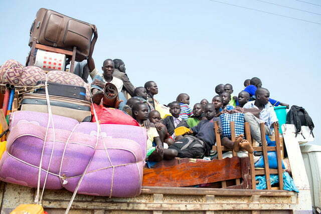 South Sudan refugees arrive in Uganda