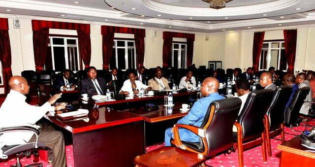 President Museveni meeting the Legal committee on Tuesday at State House