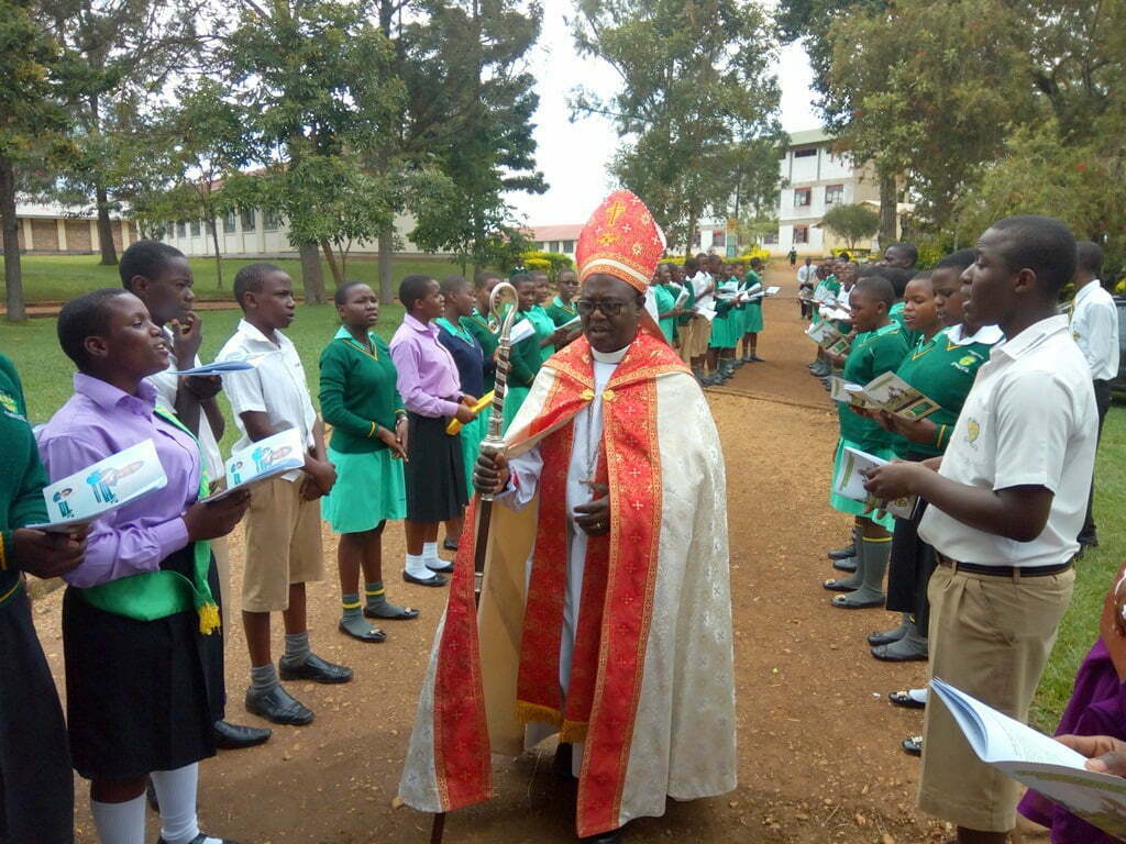 West-Buganda-Anglican-Diocesean-Bishop-Right-Rev.-Henry-Katumba-Tamale-being-recieved-at-the-Kako-SS