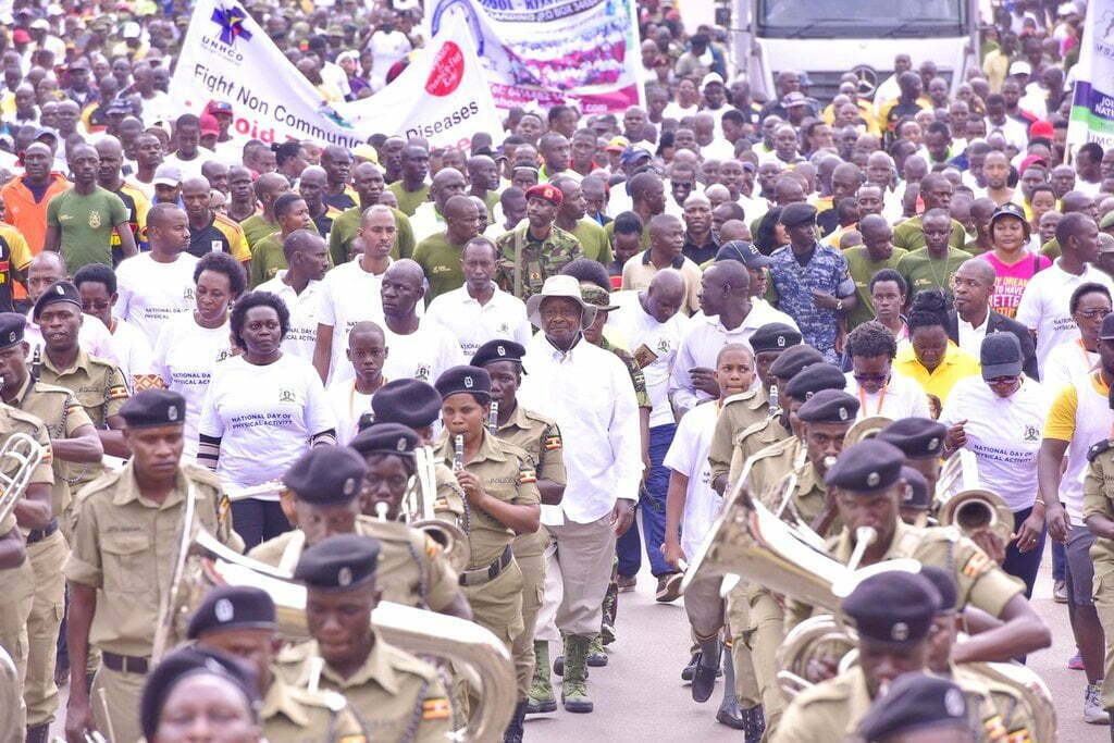 President Museveni (C) took part in a walk aimed at sensitizing Ugandans on the role of physical activity.