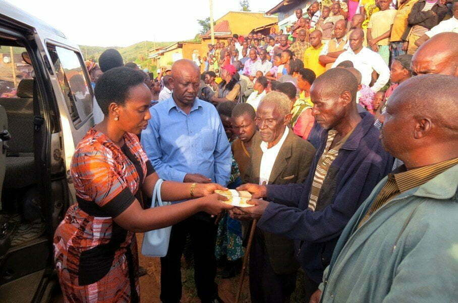 Museveni Gives Shs 10M to Family of Border Shooting Victim