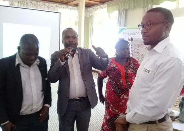 NIPN nutrition expert demonstrating to journalists signs and effects on stunted growth
