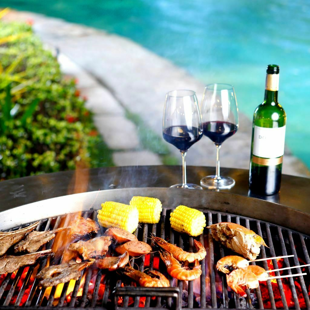 Poolside-Barbecue