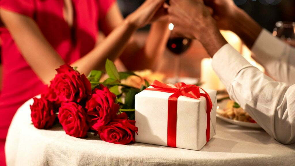Shopping for men on Valentine's Day – What men really want