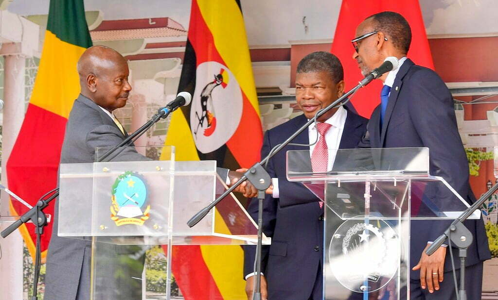 Museveni-and-Kagame-in-Angola-001