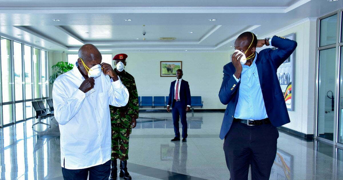 President-Yoweri-Museveni-Left-wears-a-face-mask