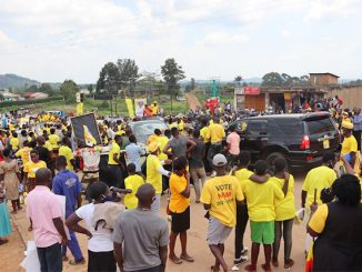 Rukungiri-residents-waiting-for-Museveni