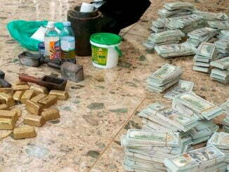 Eight arrested in Uganda with $2.4 million counterfeit notes, fake gold